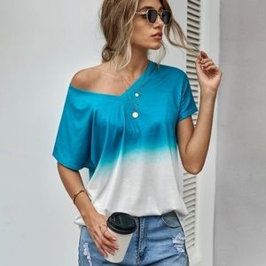 Tops - 🎉HP🎉ombré blue and white longline tee